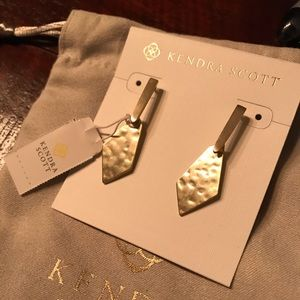 Kendra Scott Gianna Drop Earrings in Gold